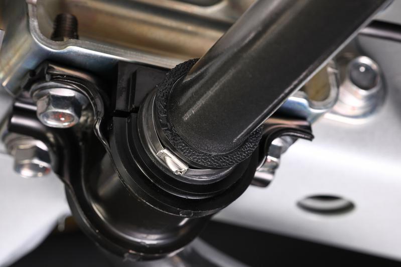 スタビライザーをスムーズに摺動させるためジャーナル部分の真円度を追求。ジャーナルブッシュにかかる負担を軽減するとともに滑らかなレート変化をアシスト。