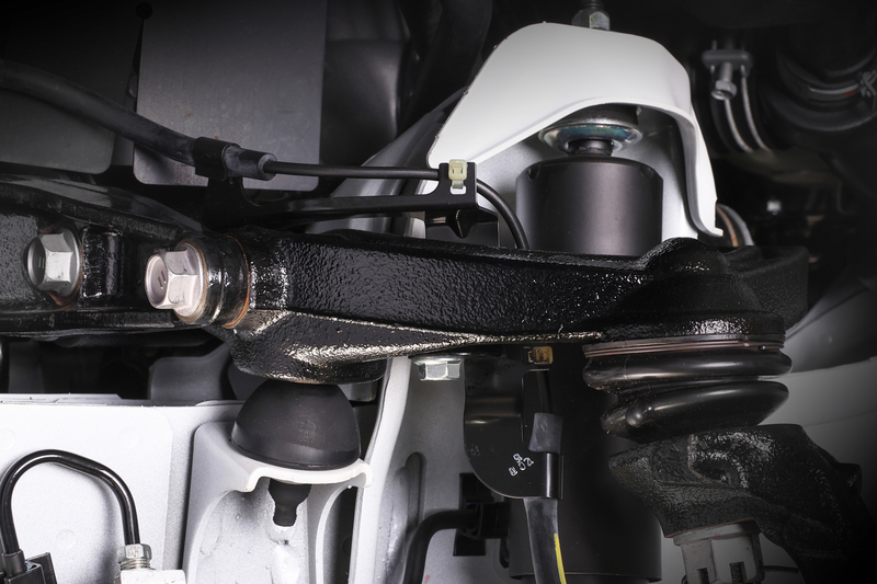 ■純正リバンプストッパー [2WD] そのまま車高をダウンした場合、トーションバーにかかるテンションが抜けて脱落するおそれも……。