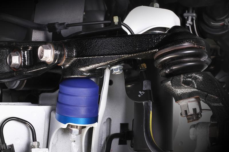 ■リバンプストッパー [2WD] リバンプストロークを積極的に規制することで、アンチロール効果を狙うセッティングもアリ。