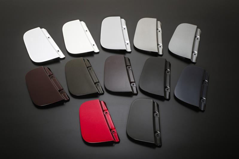 「クロージングパネル」はメーカー純正色に塗装済み。(全12色) ※ご注文の際に色番号をご指定ください。