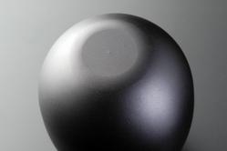 ショットピーニング+硬質ブラックアルマイト処理。