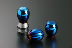 人間工学に基づく3D形状を採用。
