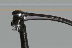 ローアングルアーム:アーム角度を大幅に補正。