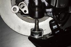 リングタイプはボールジョイントを分離して装着します。